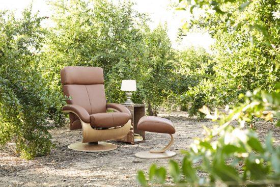 Tajoma ciao footstool leather