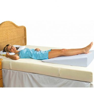 bed wedge at feet